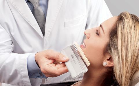 Professionelle Zahnaufhellung – einfach und wirkungsvoll